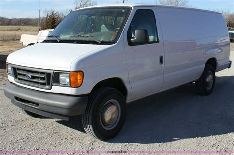 2003 Ford E250 Owners Manual