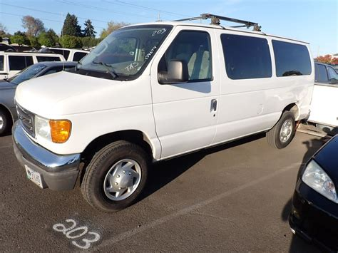 2004 Ford E350 Owners Manual