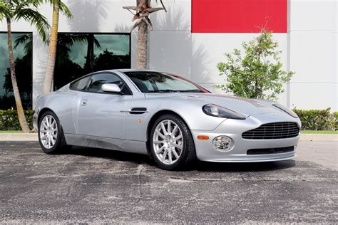 2005 Aston Martin V12 Vanquish Owners Manual