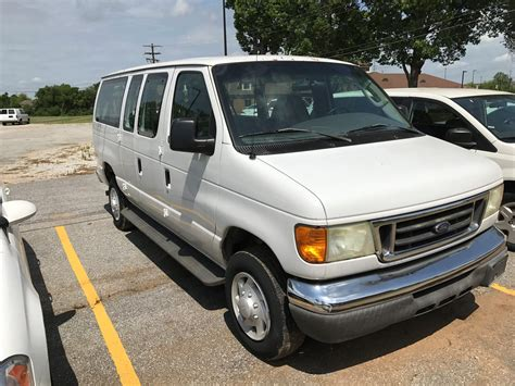 2005 Ford E350 Owners Manual