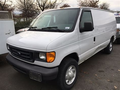 2006 Ford E350 Owners Manual