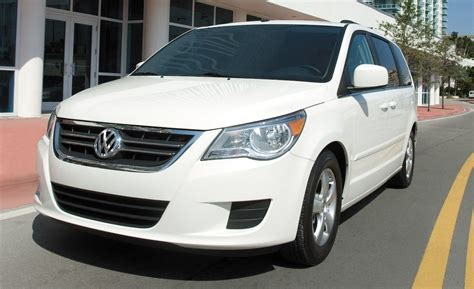 2009 Volkswagen Routan Owners Manual