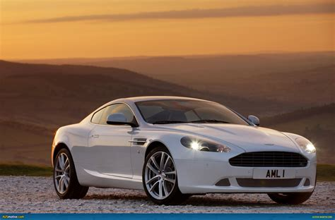 2010 Aston Martin DB9 Owners Manual
