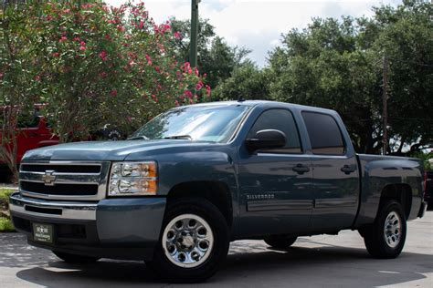 2010 Chevy Silverado LT Owners Manual