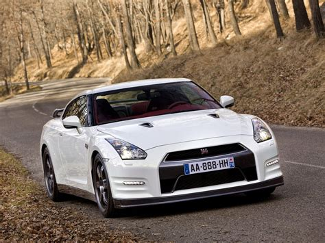 2011 Nissan GT-R Owners Manual