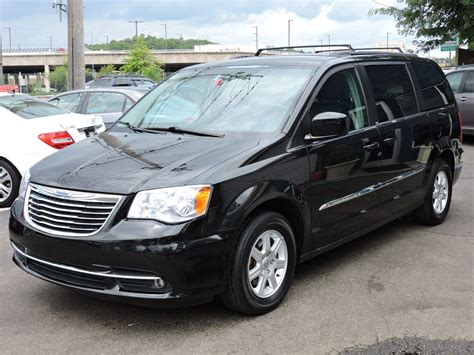 2012 Chrysler Town & Country Owners Manual