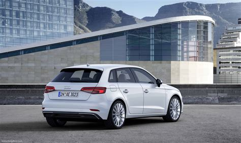 2017 Audi A3 e-Tron Owners Manual
