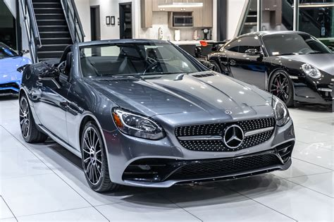 2018 Mercedes-Benz SLC 300 Owners Manual