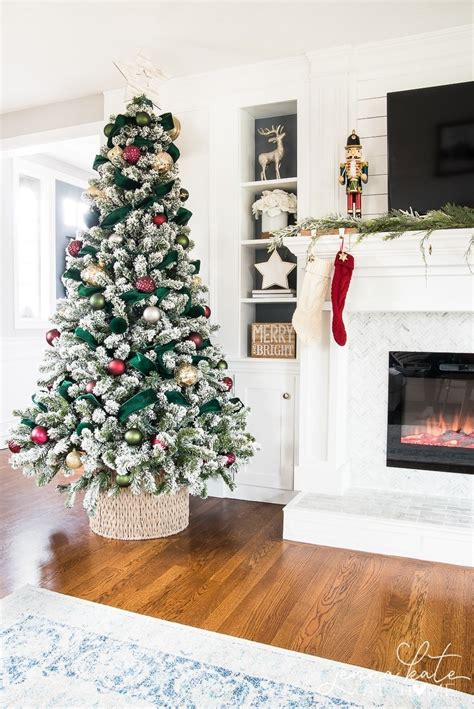 Centerpiece Ideas with Pictures for Seasons and Holidays