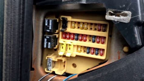 fuse box location 1999 dodge ram van 1500
