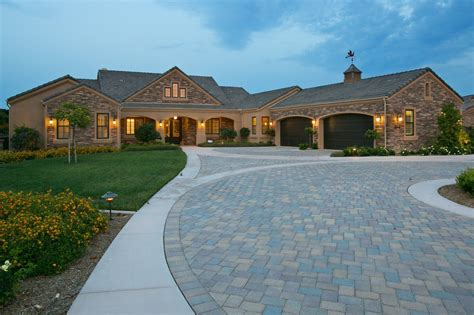One Story Luxury Homes